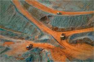 PhotoVivo Gold Medal - Yi Wan (China)  Mining Area 8