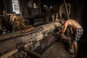 PhotoVivo Gold Medal - Xianliang Peng (China)  Ancient Method To Make Oil