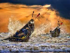 APAS Gold Medal - Tong Hu (China)  Boats To The Sea