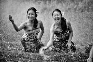 PhotoVivo Gold Medal - Gek Koon Roger Khoo (Singapore)  Bali Maidens Splash