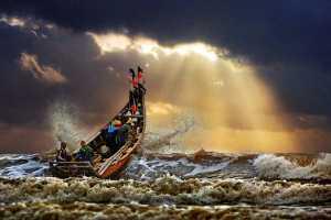 APU Gold Medal - Tong Hu (China)  Fighting The Typhoon