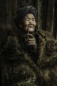 PhotoVivo Gold Medal - Mingzai Su (China)  Liangshan Woman