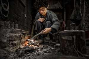 PhotoVivo Gold Medal - Xiaoqing Chen (China)  Craftsman2