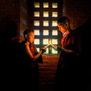 PhotoVivo Gold Medal - Hongli Wang (China)  Light The Candle