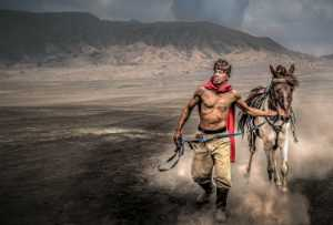 APAS Honor Mention e-certificate - Sze-Wah Chee (Singapore)  Mt Bromo Horse Run Two