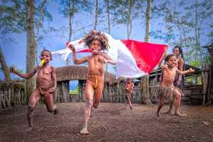 APU Gold Medal - Dewi Tandjung (Indonesia)  Independence Day Spirit