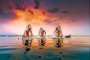 PhotoVivo Gold Medal - Jianguo Wang (China)  Fishing Light