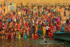 PhotoVivo Gold Medal - Zuopei Wen (China)  Ganges Bathing Image