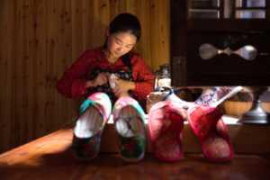 APAS Gold Medal - Xincai Pan (China)  Needlework