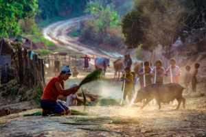 PhotoVivo Gold Medal - Waranun Chutchawantipakorn (Thailand)  1-Street Village