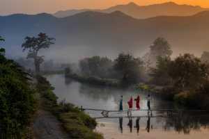 Circuit Merit E-cert - Me Me Ko Lay (Myanmar)  Go Round To Accept Offering