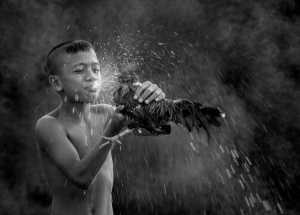 PhotoVivo Gold Medal - Vannee Chutchawantipakorn (Thailand)  Watering