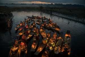 PhotoVivo Honor Mention e-certificate - Than Than Aye (Myanmar)  Floating Market