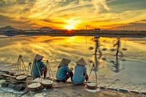 ICPE Gold Medal - Teck Boon Lim (Singapore)  Rvn Salt Farm Break Time