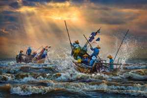 PhotoVivo Gold Medal - Arnaldo Paulo Che (Hong Kong)  Wind Up The Waves 4