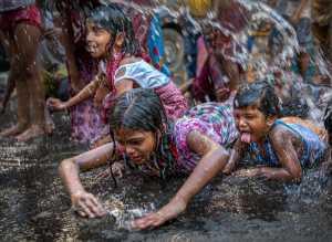 PhotoVivo Honor Mention e-certificate - Tapas Kumar Paul (India)  Shower On Street