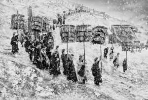PhotoVivo Gold Medal - Arnaldo Paulo Che (Hong Kong)  Under The Same Snow 1