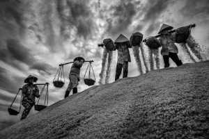 ICPE Honor Mention E-Certificate - Chin Leong Teo (Singapore)  Four Ladies Salt Field Bw 1