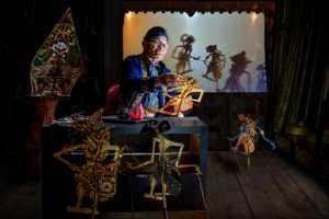 PSM Gold Medal - Siew Thong Chu (Malaysia)  Wayang Kulit Maker