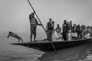 PhotoVivo Gold Medal - Shengwei Dai (China)  The Loaded Boat