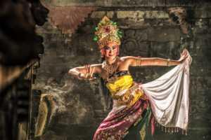 Circuit Merit Award e-certificate - Sze-Wah Chee (Singapore)  Bali Dancer Swirls