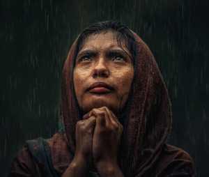 PhotoVivo Gold Medal - Huynh Van Truyen (Vietnam)  Pray