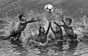 PhotoVivo Gold Medal - Suresh Bangera (India)  Catch The Ball