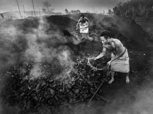 PhotoVivo Bronze Medal - Tan Tong Toon (Malaysia)  Charcoal Mining
