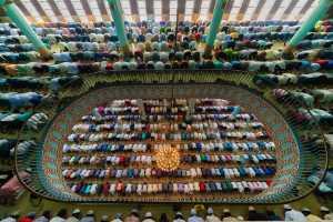 APU Summer Gold Medal - Md Tanveer Hassan Rohan (USA)  Jummah Prayer 4