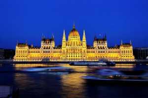 PhotoVivo Gold Medal - Shiyong Yu (China)  Parliament Building In Hungaria