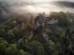 PhotoVivo Honor Mention e-certificate - Tomasz Okoniewski (Poland)  Kamieniec in the fog 1