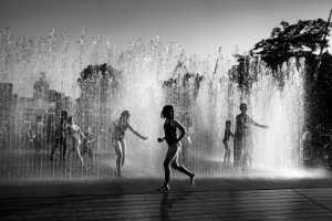 PhotoVivo Gold Medal - Jianjun Hui (China)  Street Fountain In London Summer