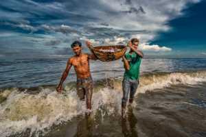 PhotoVivo Gold Medal - Pandula Bandara (Sri Lanka)  Daily Life With Sea