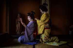 PhotoVivo Honor Mention e-certificate - Robin Yong (Singapore)  Geisha Sisters