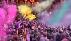 Best 100 Collection - Johnny Hendarta (Indonesia)  Holi - The Color Festival