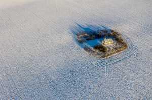 PhotoVivo Gold Medal - Ovi D. Pop (Romania)  Island In The Snow