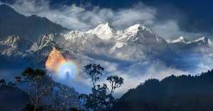 PhotoVivo Gold Medal - Mingqin Yin (China)  Snow Mountain Buddha's Light