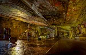 APU Honor Mention e-certificate - Pandula Bandara (Sri Lanka)  Golden Look In The Cave Temple