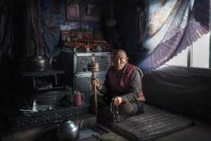 PhotoVivo Gold Medal - Shengfu Lu (China)  Chanting
