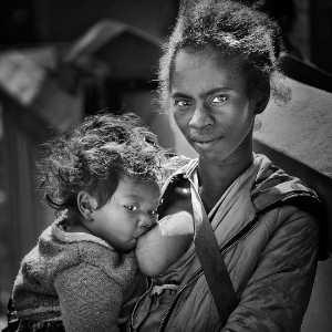 PhotoVivo Gold Medal - Ruiming Feng (China)  Breastfeeding
