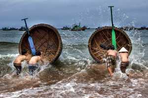 PhotoVivo Gold Medal - Hong Sang Woo (Malaysia)  Rush To The Sea