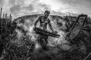PhotoVivo Gold Medal - Waranun Chutchawantipakorn (Thailand)  3-Burning