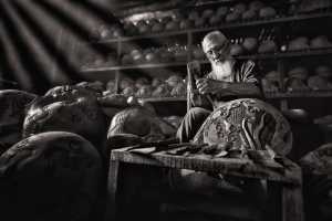 PhotoVivo Gold Medal - Gek Koon Roger Khoo (Singapore)  Wooden Fish Craftman V9m