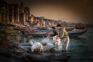 PhotoVivo Gold Medal - Juanjuan Shen (China)  Washers On The Side Of Ganges River