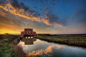 PhotoVivo Gold Medal - Michele Macinai (Italy)  Tuscan Sunrise On Water 3