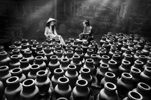 PhotoVivo Honor Mention e-certificate - Im Kai Leong (Macau)  Porcelain Making