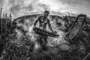 PhotoVivo Gold Medal - Waranun Chutchawantipakorn (Thailand)  Burning