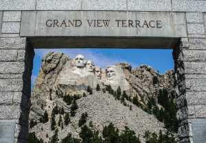 PhotoVivo Honor Mention e-certificate - Ed Mclaughlin (USA)  Mt-Rushmore