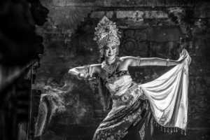 APAS Gold Medal - Sze-Wah Chee (Singapore)  Bali Dancer Swirls