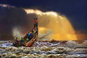 PhotoVivo Honor Mention e-certificate - Tong Hu (China)  Ride The Waves